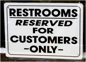 restrooms_for_customers_only_sign-600x434